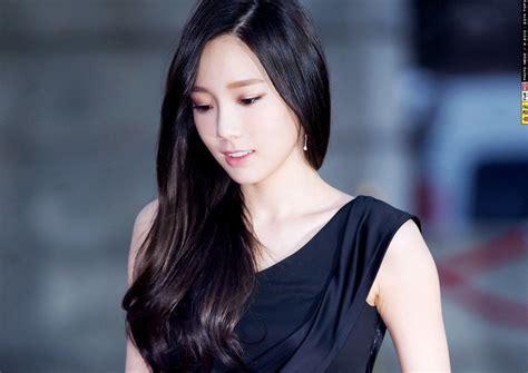 taeyeon s glorious black hair photos onehallyu