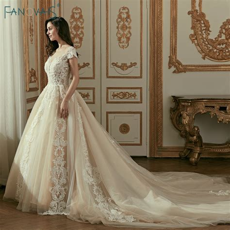 Vintage Champagne Wedding Dresses 2019 Cap Sleeve Ball