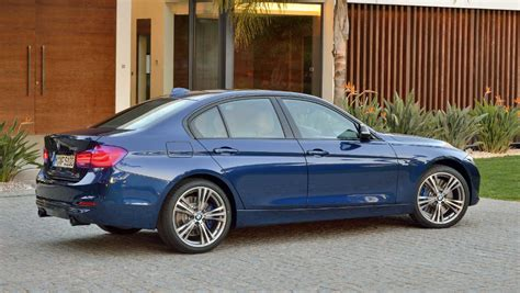 Review Bmw 3 Series Sedan by 2016 Bmw 3 Series Review Road Test Carsguide