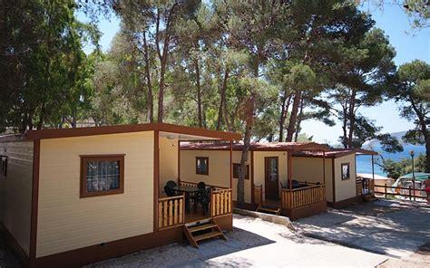 servizi camping village le calanchiole isola delba