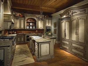 Modern kitchen designs kitchen design ideas blog for Kitchen cabinets lowes with old world metal wall art