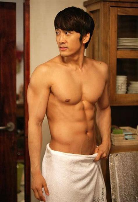 10 selebriti pria korea dengan tubuh paling hot boyfriend korean gallery
