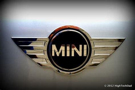 mini emblem  mini cooper countryman