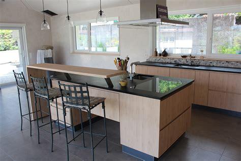 cuisine en cuisine avec îlot et retour bar david giller menuiserie