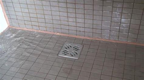 Abfluss Dusche öffnen by Duschabfluss Reinigen Wenn Der Abfluss Der Dusche