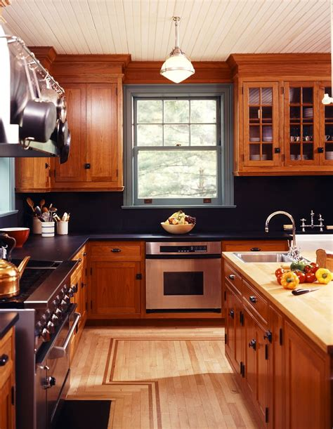 Kitchen Top Cupboards by Best 25 Cherry Kitchen Ideas On Cherry