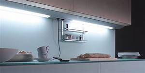 Küchen Unterbauleuchte Mit Steckdose : unterbauleuchte gera leuchten und lichtsysteme ~ Markanthonyermac.com Haus und Dekorationen