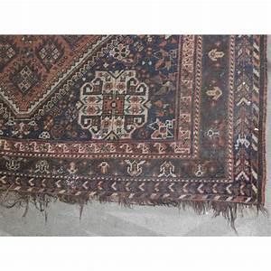 tapis persan sur moinat sa antiquites decoration With tapis champ de fleurs avec canapé arrondi panoramique