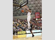 Long Beach State Men's Basketball Runs Past UCSB LBSU