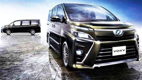 Toyota Voxy Picture by Toyota Voxy