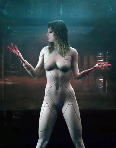Taylor Swift Nude Body Suit Wardrobe Malfunctions