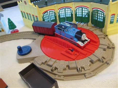 thomas friends trackmaster tidmouth sheds train track