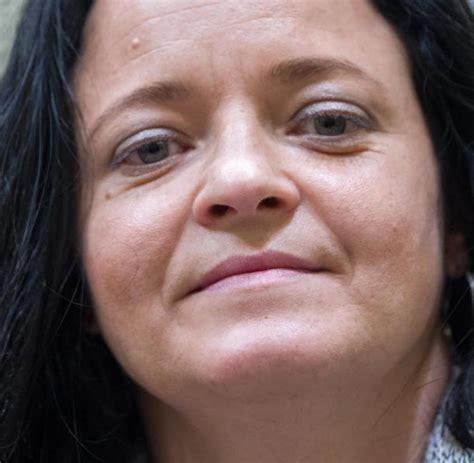 """Beate zschäpes anwältin anja sturm zweifelt an, dass der """"nationalsozialistische untergrund (nsu) im rechtlichen sinn eine terroristische. Beate Zschäpe ist nach Chemnitz verlegt worden - WELT"""