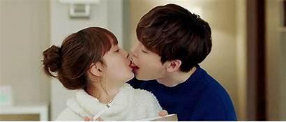 Suk Lee Jong Kiss While Soompi Return
