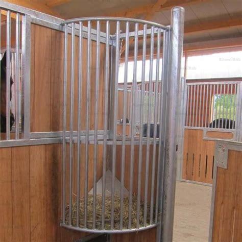 roewer rueb equine barns hay racks equine feeding