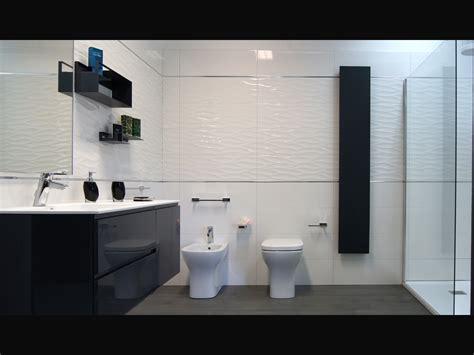 rubinetti bagno ideal standard bagno minimal moderno rivestimento parete ceramiche fap