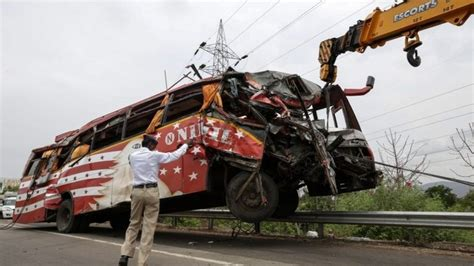 India Road Crashes Kill 146,133 People In 2015