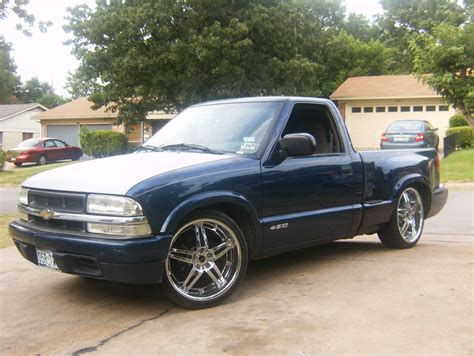 1998 Chevrolet S10 Photos, Informations, Articles