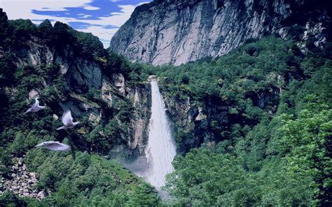 Roulsdobdalis  Download Mountain Waterfall