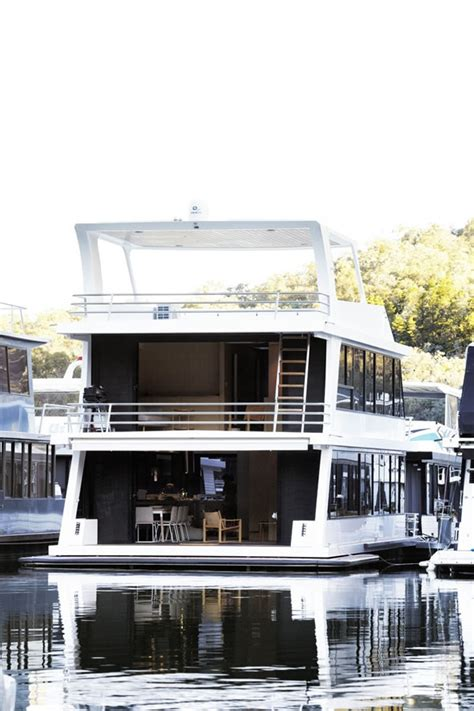 House Boat Eildon by Beautiful Houses Lake Eildon Houseboat