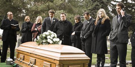 Humanist Funerals Thrive In Post-Catholic Ireland | HuffPost