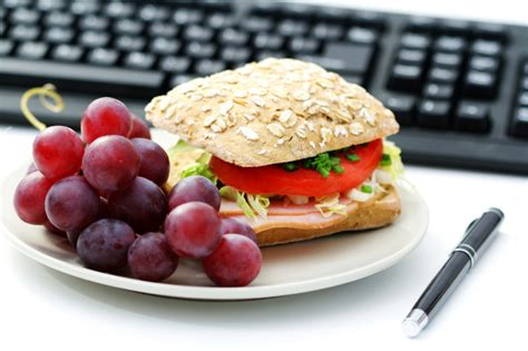 healthy office snacks for weight loss 5 healthy brown bag lunch ideas toby amidor nutrition