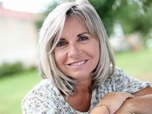 Blond Grau Haarfarbe : graue haare pflegen die besten tipps f r mehr glanz nivea ~ Frokenaadalensverden.com Haus und Dekorationen