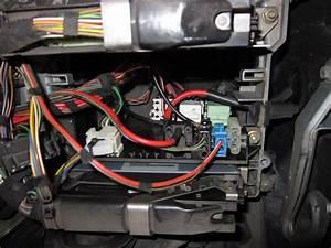 Mini Cooper R56 Fuel Pump Relay Location