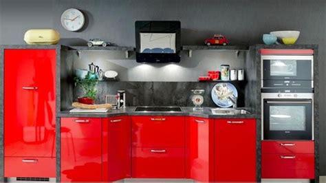 cuisines rouges davaus cuisine hygena city avec des idées