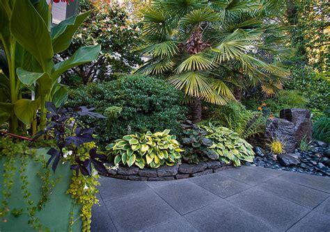 Vorgarten Japanischer Stil by Vancouver Landscape Design On Kilmer