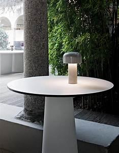 Lampe De Table Rechargeable : flos lampe de table sans fil rechargeable bellhop gris polycarbonate ~ Teatrodelosmanantiales.com Idées de Décoration
