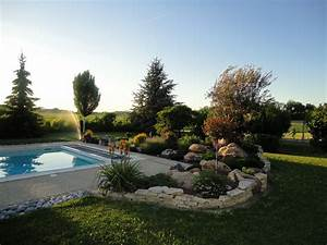 amenagement bord de piscine abords terrasse margelle With superior jardin autour d une piscine 7 amenagement exterieur en beton desactive terrasse