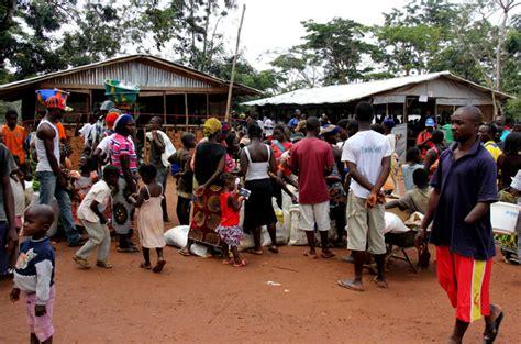 ivorian refugees   rush  leave liberia liberia