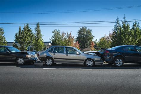 stay   vehicle   multi car pileup