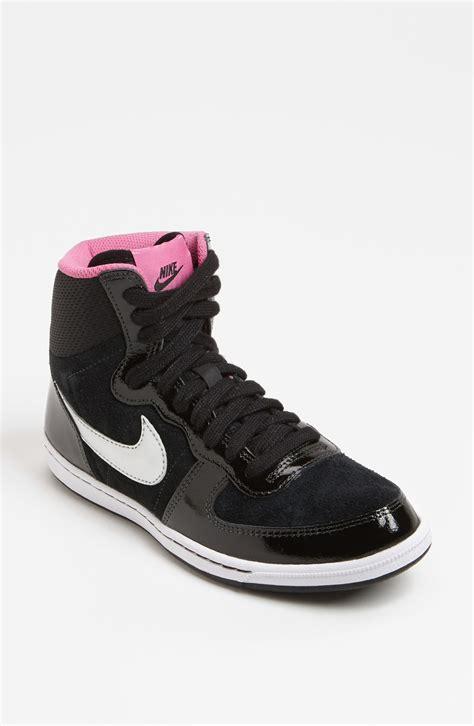 Women Nike High Top Shoes