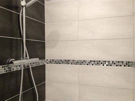 cuisine deux couleurs salle de bain faience blanche