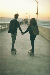 sk8, skate, couple, love, beauy - image #606104 on Favim.com