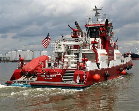 Fireboat In Italiano by Best 276 Rescue Boats Images On Other
