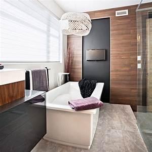 Bois Pour Salle De Bain : c ramique imitation bois pour une salle de bain tendance et chaleureuse je d core ~ Melissatoandfro.com Idées de Décoration