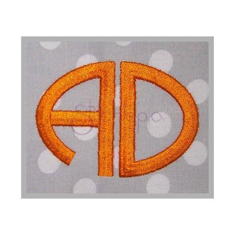 oval  letter monogram font small  sizes stitchtopia