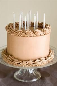 Faire Un Gateau D Anniversaire : layer cake au chocolat beau gateau le chocolat et anniversaires ~ Carolinahurricanesstore.com Idées de Décoration