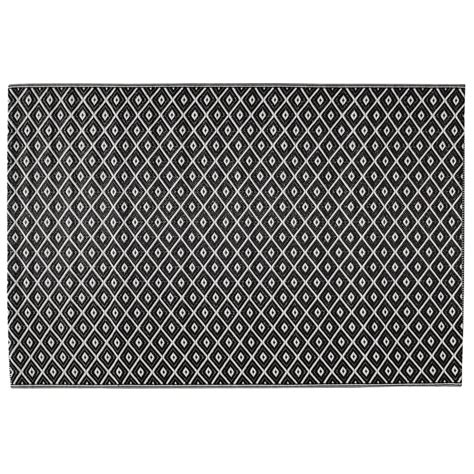 tapis d ext 233 rieur en polypropyl 232 ne noir blanc 120 x 180 cm kamari maisons du monde