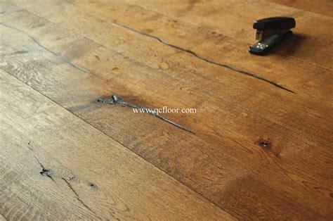 Knotty Distressed Cheap Rustic Floor Oak Click Wood Floor