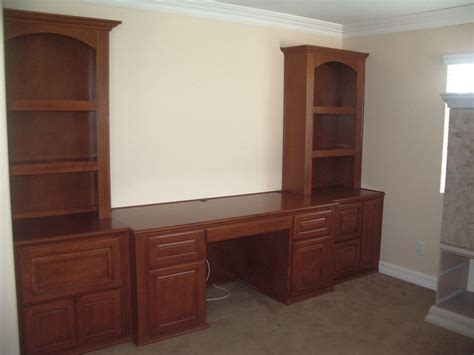 Built In Desk Cabinets by Custom Home Office Cabinets And Built In Desks