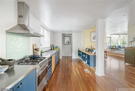Open Natures Window With This Greenery Surrounded Home by Cathy Freeman S Beautiful Home Is Listed For 3 5