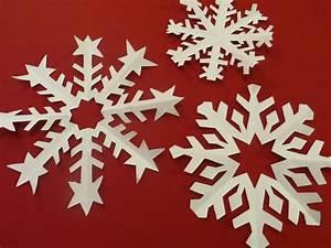 Flocon De Neige En Papier Facile Maternelle : flocons de neige en papier la t l des kids ~ Melissatoandfro.com Idées de Décoration