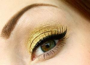 10 AMAZING MAKEUP TIPS FOR BLUE EYES  Beauty And Tips