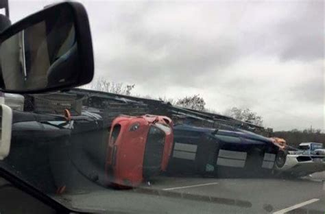 accident  supercar bailly ferrari  les voitures