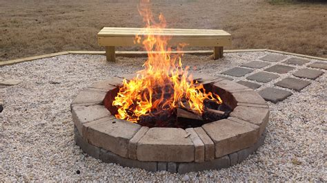 It's Time To Build A Fire Pit In Your Backyards! This