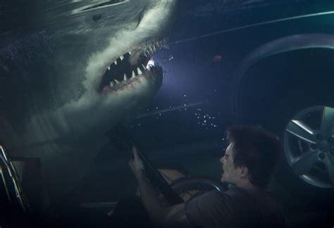 shark squalo  tsunami arriva al cinema il primo